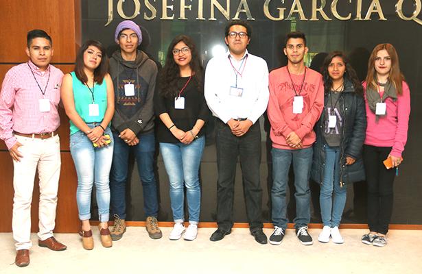 Estudiantes de Biología en Academic Darwin Fest