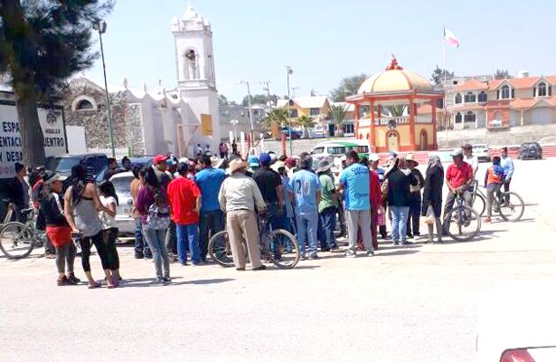 Habitantes del El Huaxtho, Actopan, se manifiestan por incremento al pasaje
