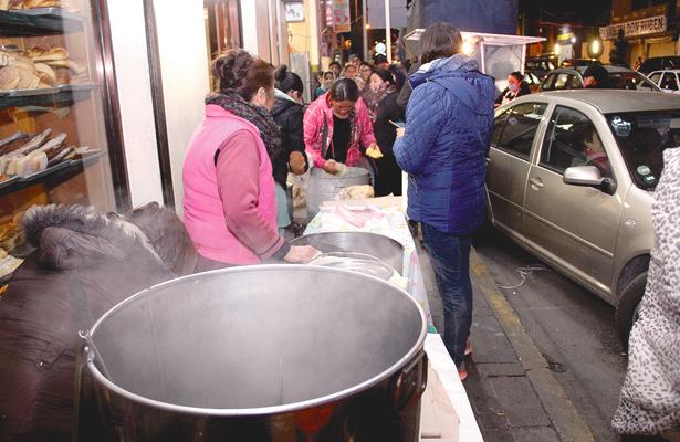 Vendedores de tamales reportan bajas ventas