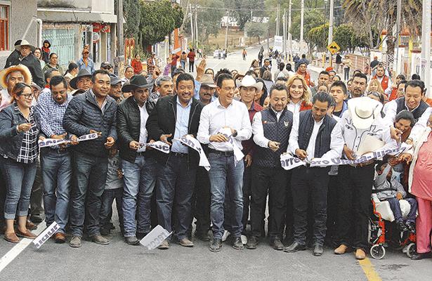 Inauguró Fayad obra carretera en Tetepango