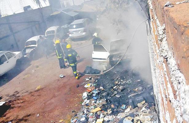 Alarmó incendio de basura en Pachuca