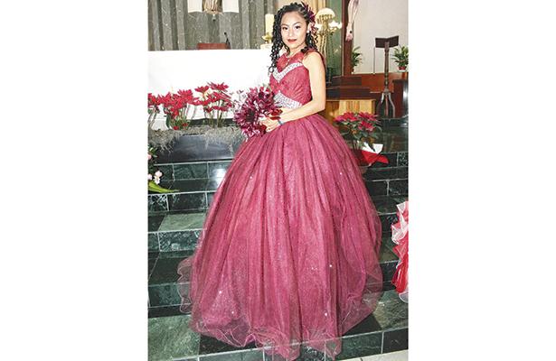 Estrella Guadalupe, disfrutó su fiesta de quince años