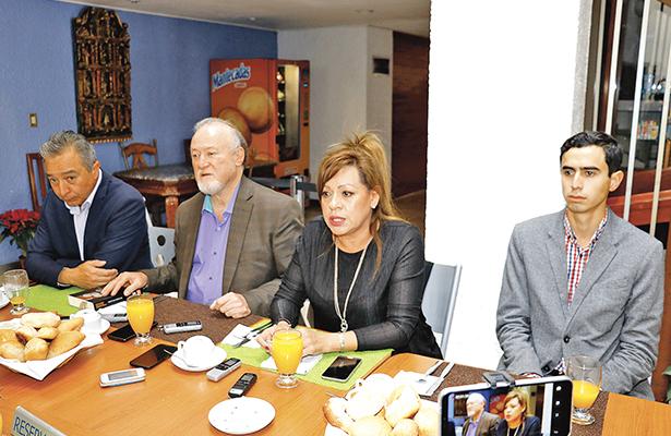"""Pretenden despojarme de mi candidatura"", dice militante de Morena"