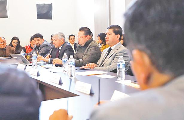 Capacitan a funcionarios para evitar delitos en temporada electoral