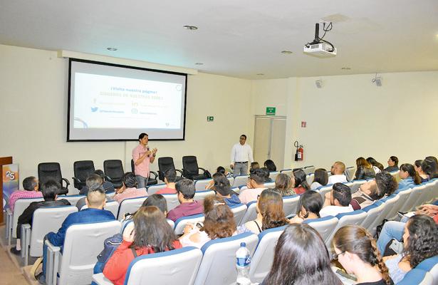 Proponen a universidades reorientar la formación de su capital humano