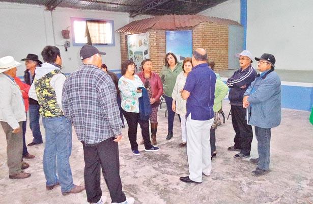 Autoridades municipales plantaron a pobladores