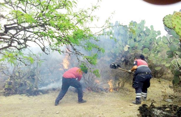 Atendieron los bomberos cuatro incendios en región de Tula