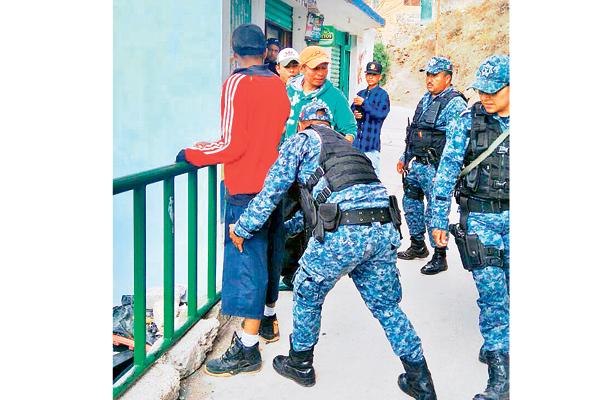 Policías refuerzan vigilancia en barrios