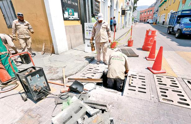 Dan mantenimiento a infraestructura de la capital