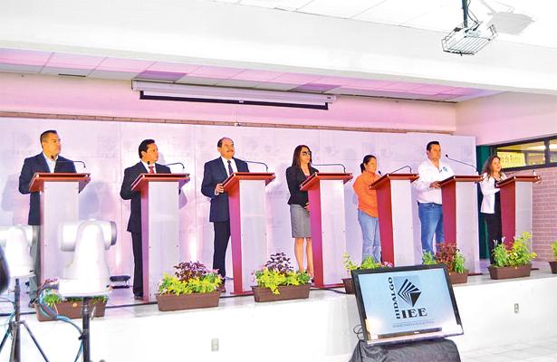 Exponen propuestas candidatos de Zacualtipán