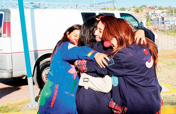 """Escuadrón Feliz """"ataca"""" a profesores en La Reforma"""