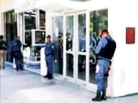Hospitalizan a exalcaldesa detenida