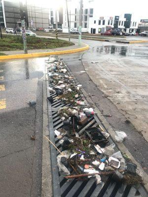 Retiran basura de colectores durante más de 10 horas