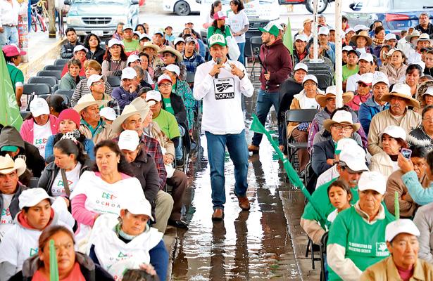 """Ochoa compromete eliminar """"permanencia"""" asociada a evaluación docente"""