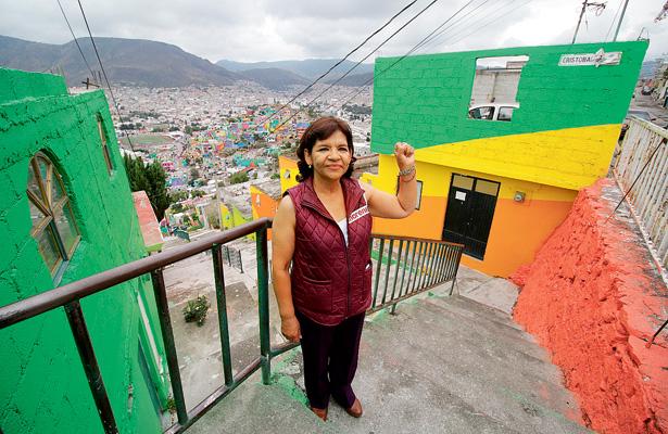 El macromural de los barrios Cubitos y  Palmitas solo maquilló la pobreza: Lidia García
