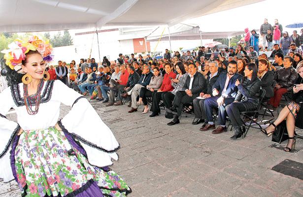 Desarrollan festival cultural del ISSSTE