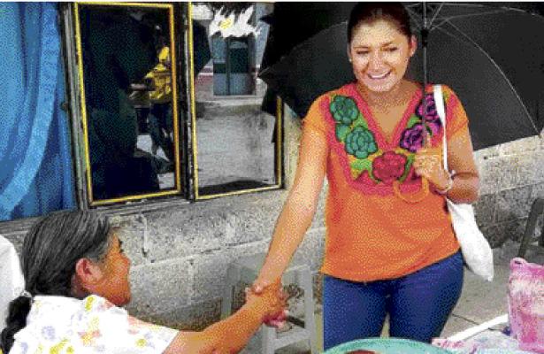 Itze Olivares gestionará que artesanos preserven tradiciones