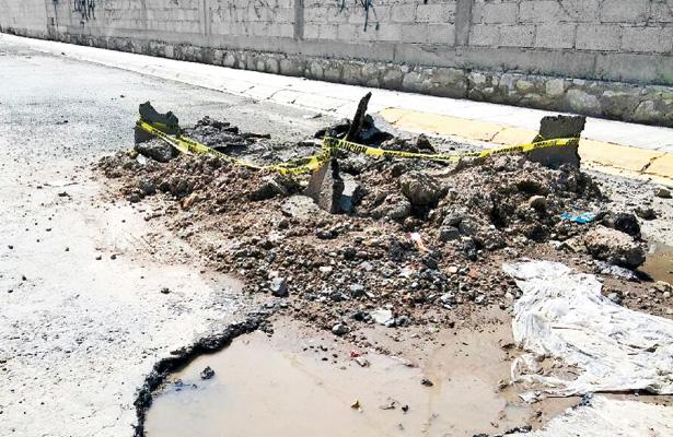 Zanjas y baches ocasionan serios problemas en la zona metropolitana