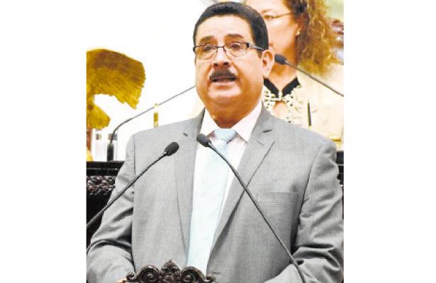 Congreso reintegra a diputados como miembros de comisión
