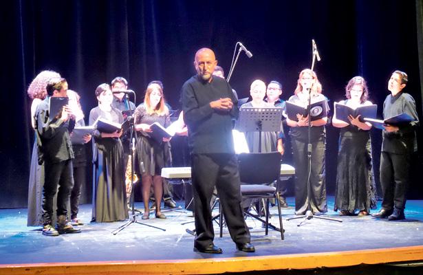 Interpretó repertorio el Coro Amadeus in Voce