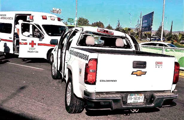 Agentes investigadores heridos tras encontronazo
