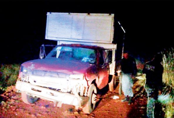 Abandonan camioneta huachicol en Cocinillas