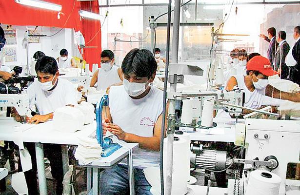 Repunta la industria del vestido en fin de año