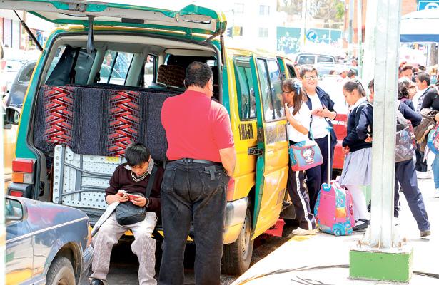 Paterfamilias acusan: Transporte escolar, con serías deficiencias