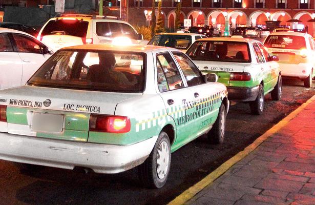 """En Hidalgo, código """"QR"""" para taxis y colectivas"""