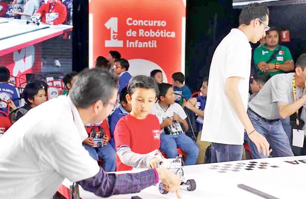 Enseñan robótica pedagógica a niños