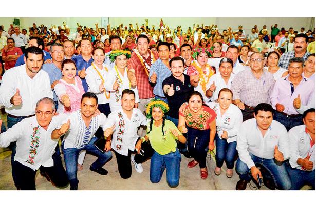 El PRI está en pie de lucha, afirma su líder Pineda Godos
