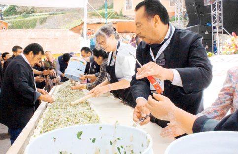 Manos hidalguenses realizaron el paste más grande del mundo