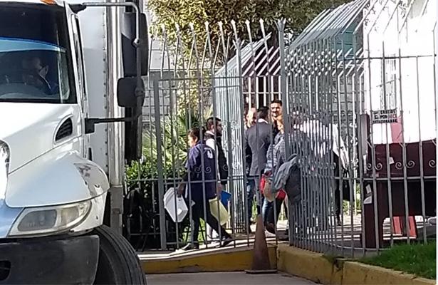 Regresan edificio a delegación de la SEP tras 45 días desalojados