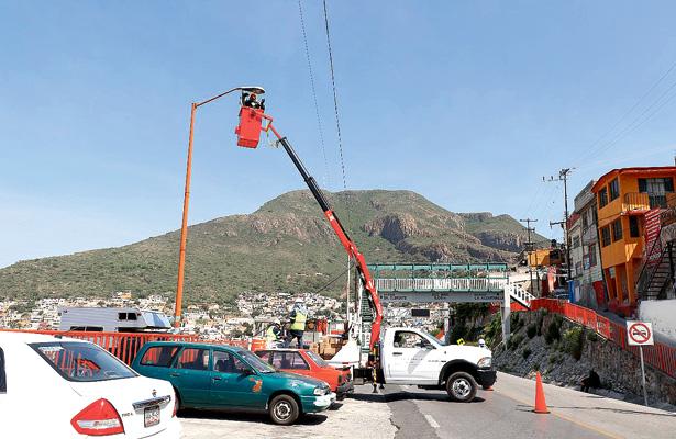 Más de 50 por ciento de avance en cambio de luminarias, en Pachuca