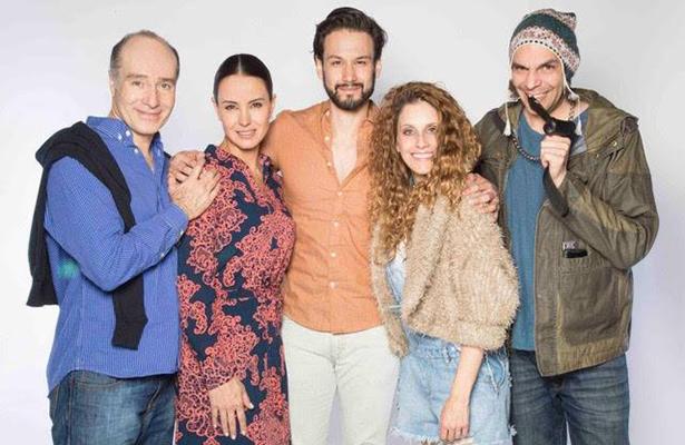 Odiseo Bichir y Alejandra Barros en propuesta teatral