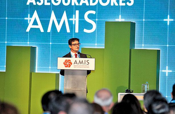 Ampliarán Bansefi y AMIS oferta de microseguros a beneficiarias del PROIIF