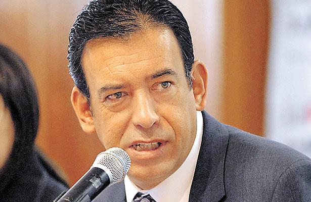 PRI expulsa a Humberto Moreira por afiliarse a otro partido