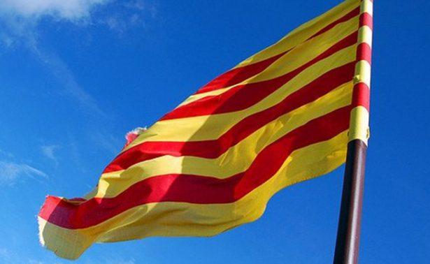 Cataluña, paralizada por una huelga, pide mediación internacional