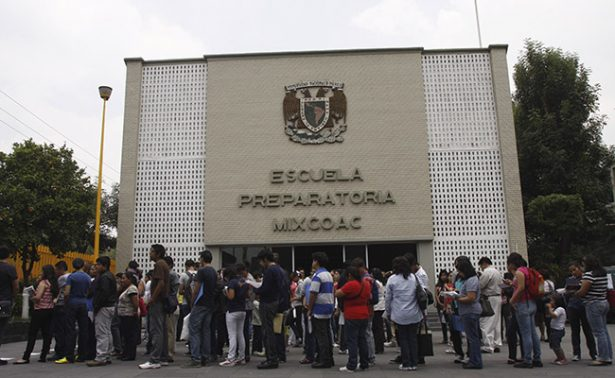 Tras error en exámenes, UNAM acepta a 3 mil 613 estudiantes