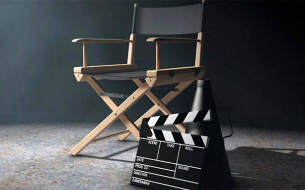 Cineasta Alfredo Zacarías recibe Medalla al Mérito del Director