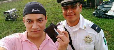 Policía devuelve cartera con 3 mil pesos que encontró en un festival