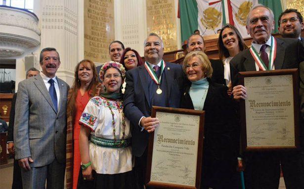 Centro de registro sísmico recibe Medalla al Mérito Ciudadano