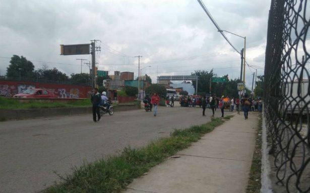 Incrementan protestas en la capital por falta de dictamines por los sismos