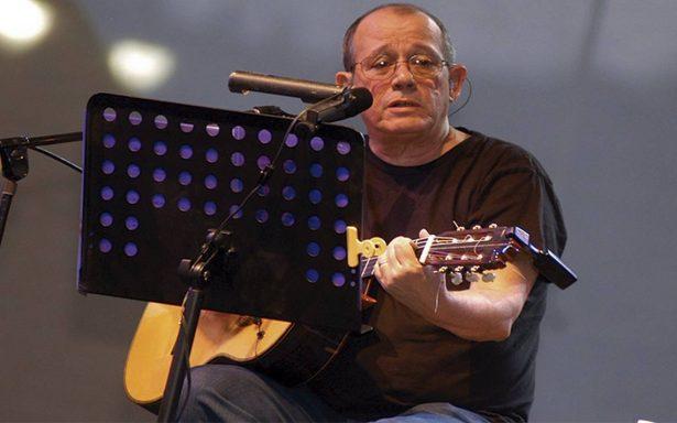 Silvio Rodríguez cambia la guitarra y la trova por una cámara