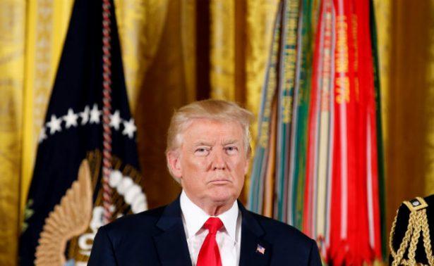 Trump visitará mañana una sección de la frontera con México
