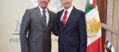 Peña Nieto felicita a estudiante de la UNAM que se une a misión de la NASA