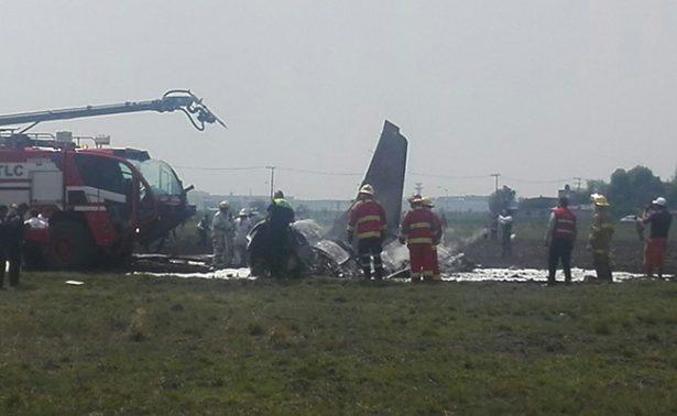 Investigan causas del desplome de avioneta en Toluca