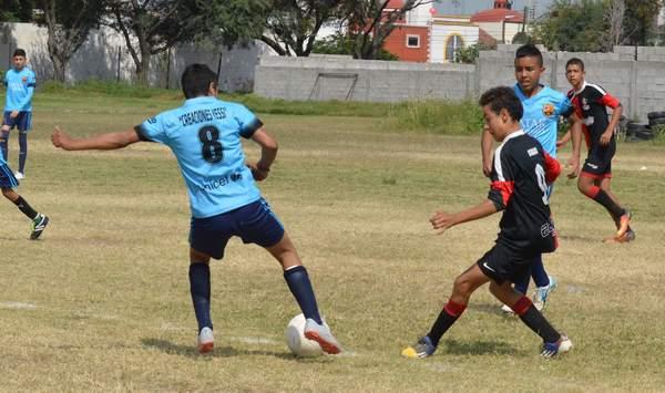 Equipos siguen en apretada lucha por ocupar los primeros lugares de cada categoría. Foto: El Sol de Irapuato