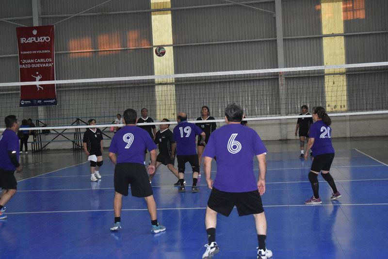 CON MAYOR exactitud de juego se presentaron los integrantes del Deportivo Blancas. Foto: Víctor Cruz / Sol de Irapuato