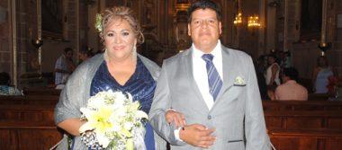 Celebran 25 años de feliz matrimonio